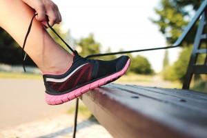 Afla cum poti scapa de mirosul neplacut al picioarelor si pantofilor